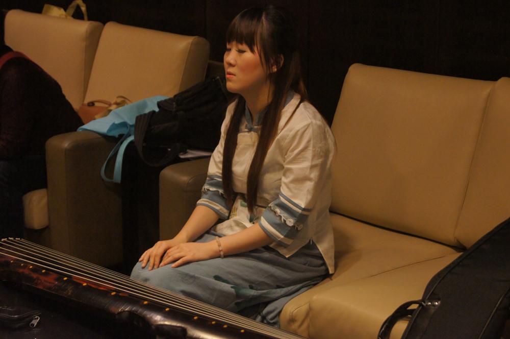 後台練琴01.JPG